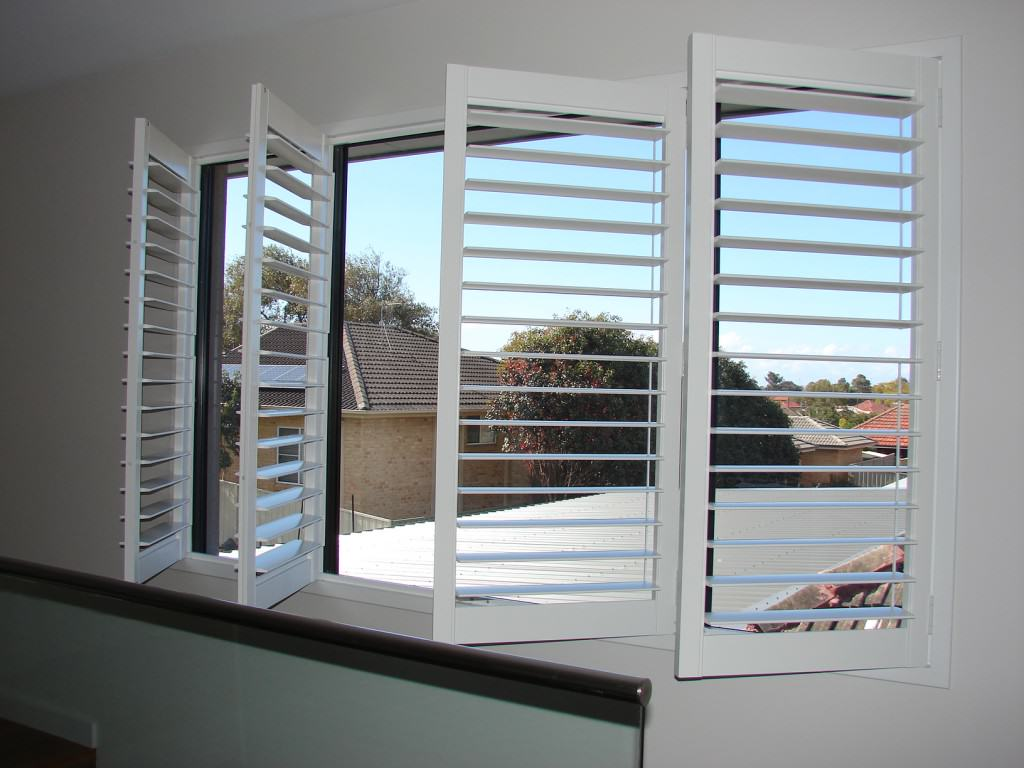 Plantation window shutters villa blind and shutter for Window treatments with shutters