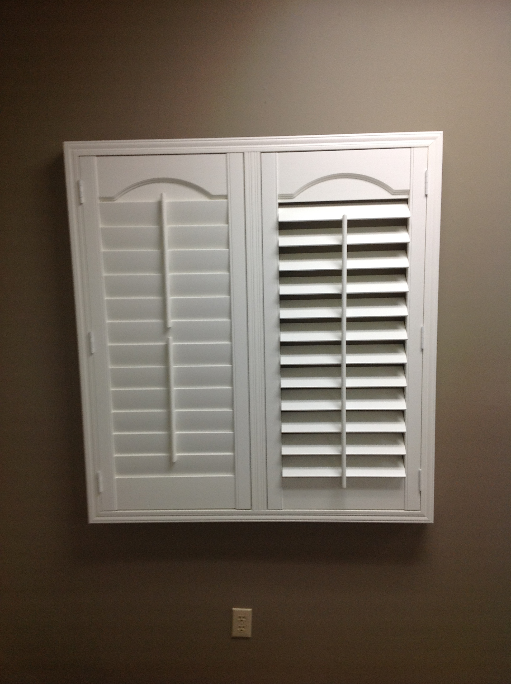 Call to schedule your free in-home estimate. Offers blinds, shades, shutters, window shutters, wooden blinds, home improvements, plantation shutters, and mini, faux wood, vertical, and wood blinds. Columbia window blinds, -shades, shutter, window treatments and .